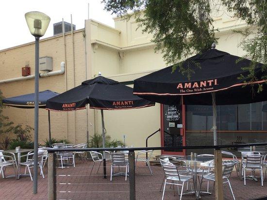 Kerang, Australien: Outside dining