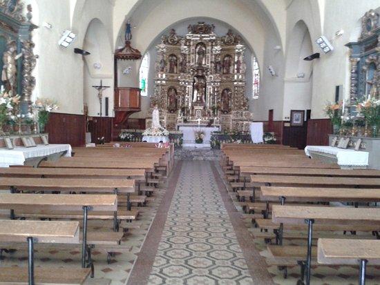 Alenya, Francia: L'intérieur de l'église