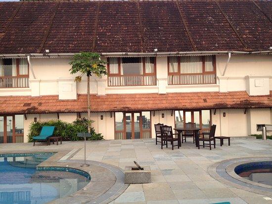 Lemon Tree Vembanad Lake Resort: Pool view of Hotel