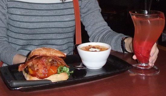 Red Robin Gourmet Burgers Photo