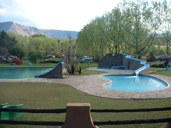 Dragon Peaks Mountain Resort: Pools