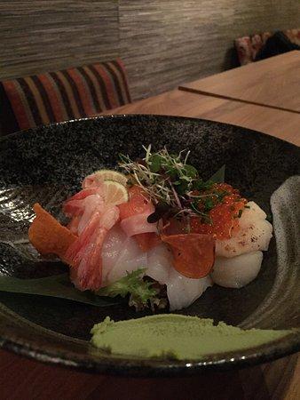 Nami: Fantastisk japansk mat, helt perfekt balanserad! Härlig miljö och mycket trevlig och servicemind