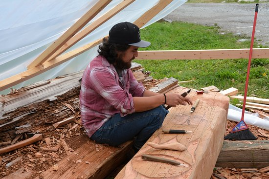 Campbell River, Canadá: Jesse - skilled, knowledgeable and so friendly as our Homalco guide