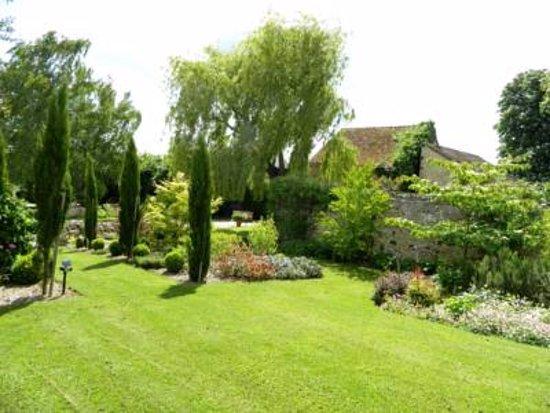 Ancinnes, Francia: Walled garden area