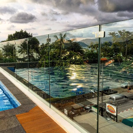 Araya Beach Hotel Phuket