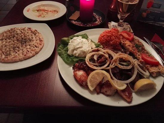 Kulmbach, Germany: Kreta-Teller mit Pita