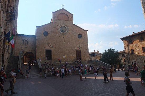 Collegiata di Santa Maria Assunta - Duomo di San Gimignano: Дуомо в сентябре 2016 года