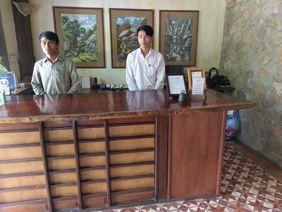 Sala Prabang Hotel: IMAG4476_large.jpg