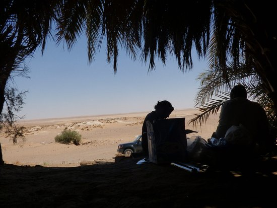 Real Egypt Day Tours: Picnic lunch en route to the White Desert