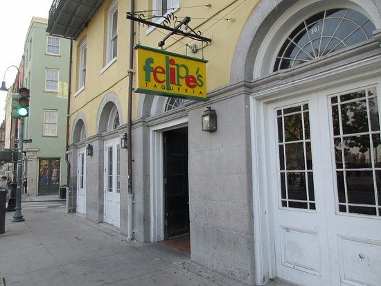 Felipe's Mexican Taqueria: Easy to find.