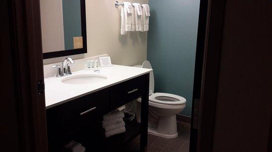 Cumberland, MD: New stylish bathrooms!!