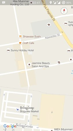 Jasmine Beauty Spa: Location of my review. Down a few steps with a black glass sliding door.