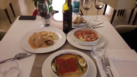 Petra, Spain: Can Salom Restaurant