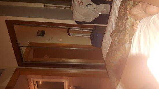 Hotel de la Mer: TA_IMG_20161119_184457_large.jpg