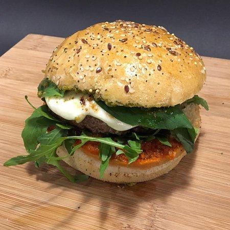 Le Burger Du Moment Basiliko Boeuf Hache Francais