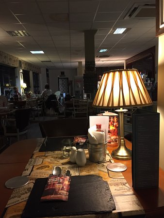 subdued lighting. The Pantry Diner: Lovely Subdued Lighting For Evening Dining P