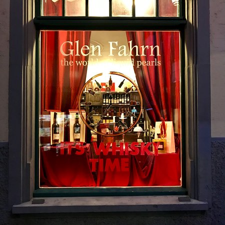 Glen Fahrn 'the Pearl' Zurich: Shop window