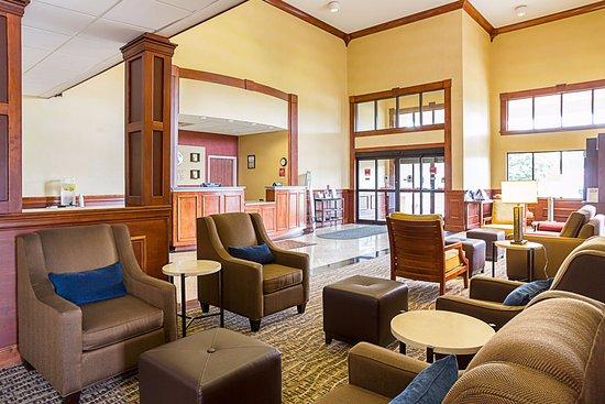 Twinsburg, OH: Lobby