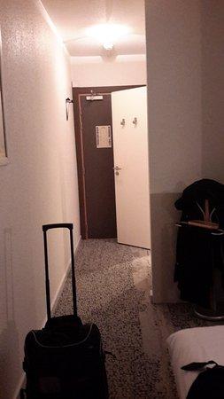 Couloir d\'entrée - Photo de Hotel Restaurant d\'Alsace, Illkirch ...