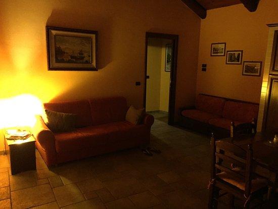 Il Borgo B&B: Dal appartamento, pulito in ordine è bello caldo.  Corrisponde alle fotografie sul sito. Noi con