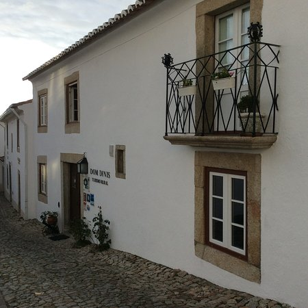 A charming small hotel foto de dom dinis marv o for Charming small hotels