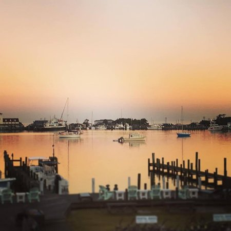 Ocracoke Harbor Inn: Harbor Sunrise