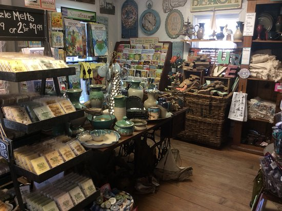 Morehead City, NC: Cards,candles and more