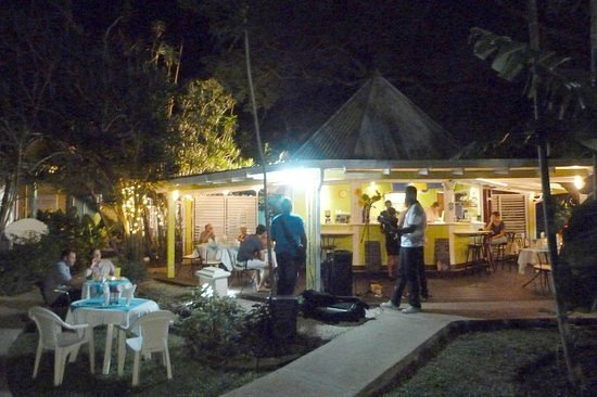 Holetown, Barbados: Live music by the fantastic 1359 every tapas evening