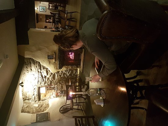 Crook, UK: Relaxing by the fire before service