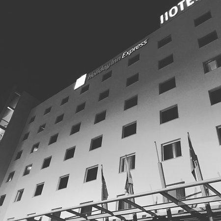 Holiday Inn Express Lisbon Oeiras: photo0.jpg