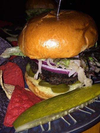 Old Forge Brewing Company: MYO black bean burger