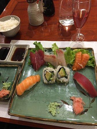 restaurant sushi boat dans carcassonne avec cuisine japonaise. Black Bedroom Furniture Sets. Home Design Ideas