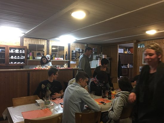 Lumino, Suiza: Consigliato vivamente ! Personale, location e cibo di alta qualità !