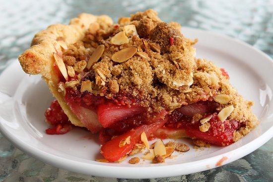 The Roost Farm Bakery: Strawberry Rhubarb Pie at The Roost
