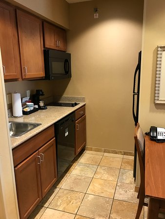 Homewood Suites Decatur-Forsyth: kitchen nook