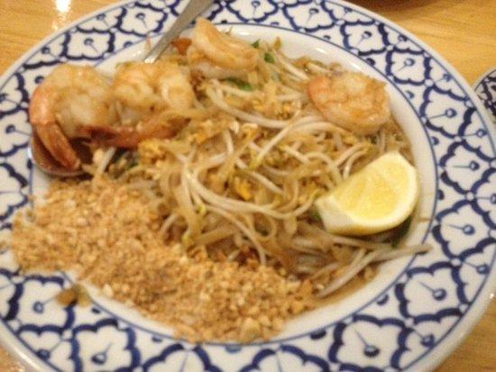 Glenelg, Australia: Pad Thai Noodles with Prawns