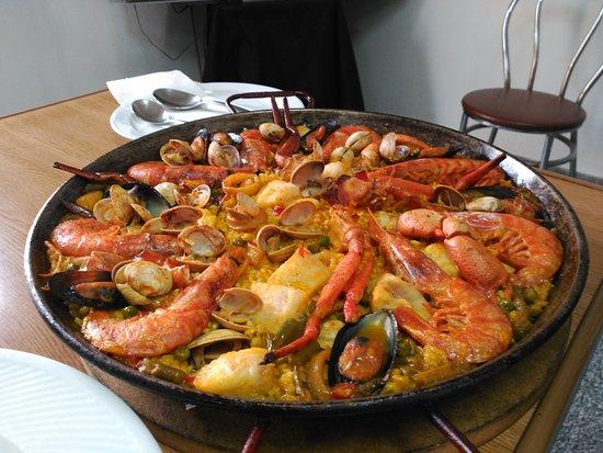 Campanet, Spanien: Gran paella
