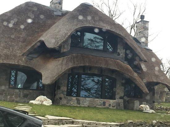 Mushroom Houses of Charlevoix: photo2.jpg