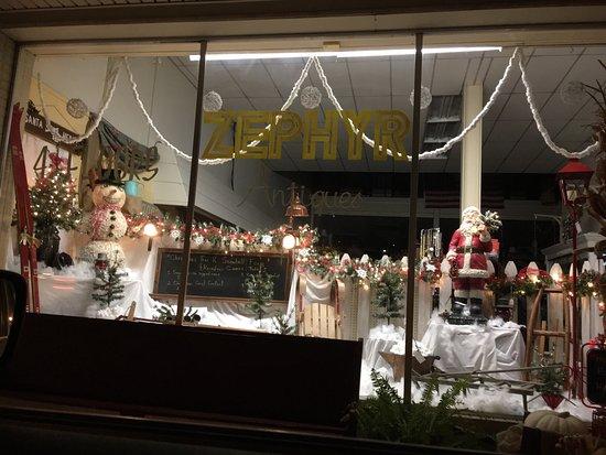 Abingdon, VA: Christmas storefront
