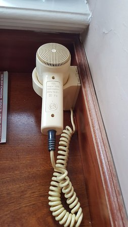 Llansantffraed Court: The 1980s called it wants it's hairdryer back