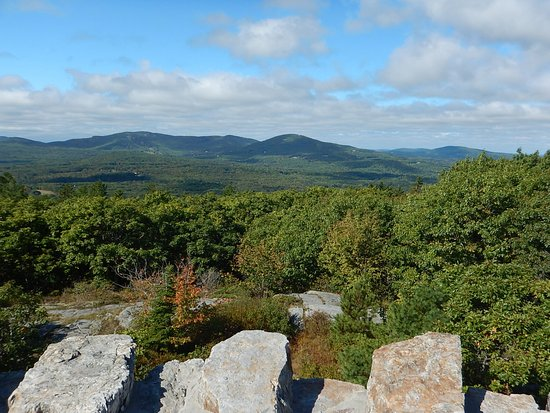 Mount Battie: Breathtaking mountain views from the top of the tower!