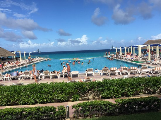 Golden Shores Crown Paradise: main swiming pool