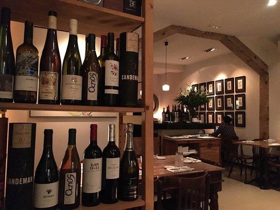 Restaurante vinoteca morat n en madrid con cocina otras - Vinotecas madrid centro ...