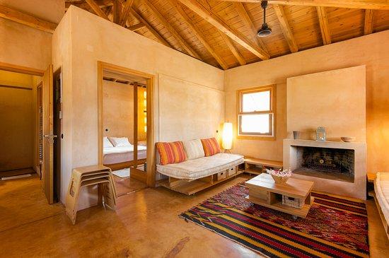 Eumelia Organic Agrotourism Farm & Guesthouse: Living room