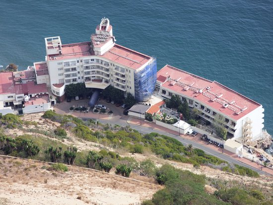 Caleta Hotel: Taken from the top of the rock