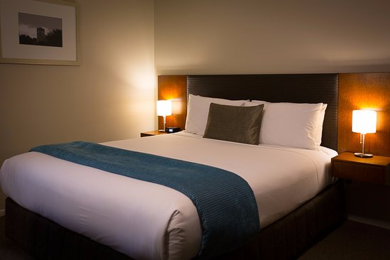 Argent Motor Lodge: Our SuperKing beds can also be split into two single beds
