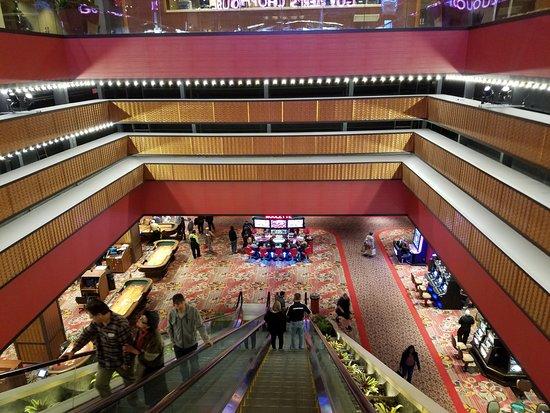Bally's Atlantic City Casino: huge escalators to the higher floors