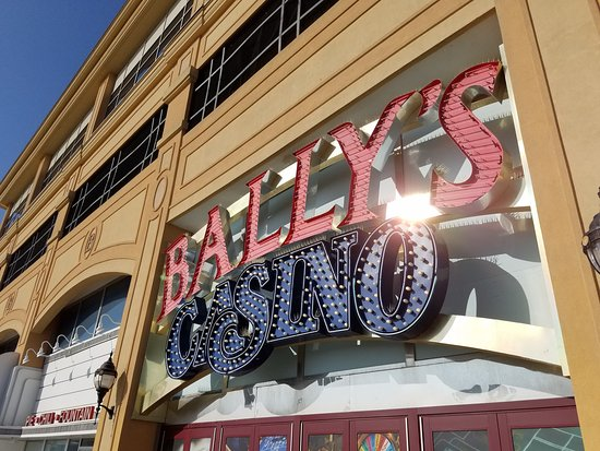 Bally's Atlantic City Casino: boardwalk entrance