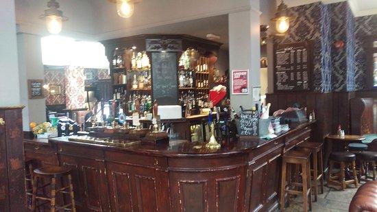 The Bath Arms: Bar