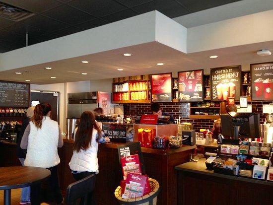 Mit unserer Starbucks Coffee House-Suche können Sie Standorte in der Nähe suchen, um dort herrliche Getränke zu genießen und kostenlosen WLAN-Zugang zu nutzen. Jetzt ein Starbucks .